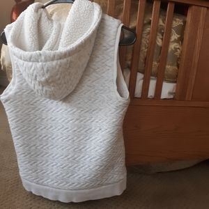 Merona hooded shearling vest, white, size small